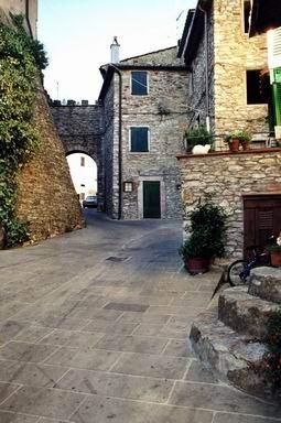 Borgo di Mezzo
